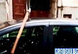 Кола в Ловеч с допълнителна екстра – кирка