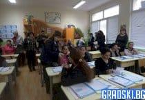 Курс за ограмотяване на възрастни организират от МОН
