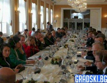 България ще актуализира търговските си ограничения заради АЧС