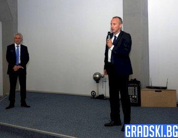 Красимир Вълчев посочи IT специалистите като огромна полза за учениците