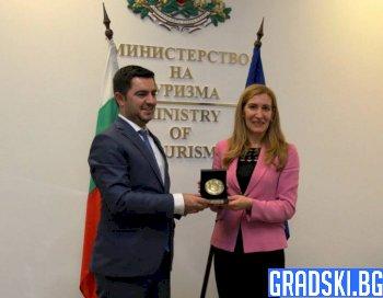 Николина Ангелкова и Крешник Бектеши проведоха работна среща