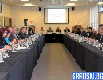 Обсъжда се повишаване на застраховките за туроператори