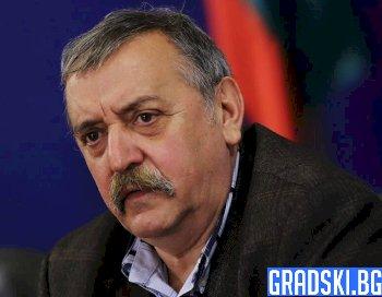 Защо България изпраща един от най-видните си учени в пенсия