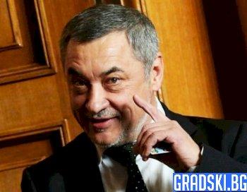 Валери Симеонов кълве по дубайски гражданин