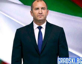 Румен Радев замина за срещата на НАТО