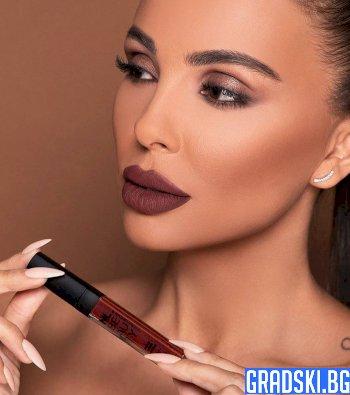 Новата козметична линия на Ни Ло с огромен фурор