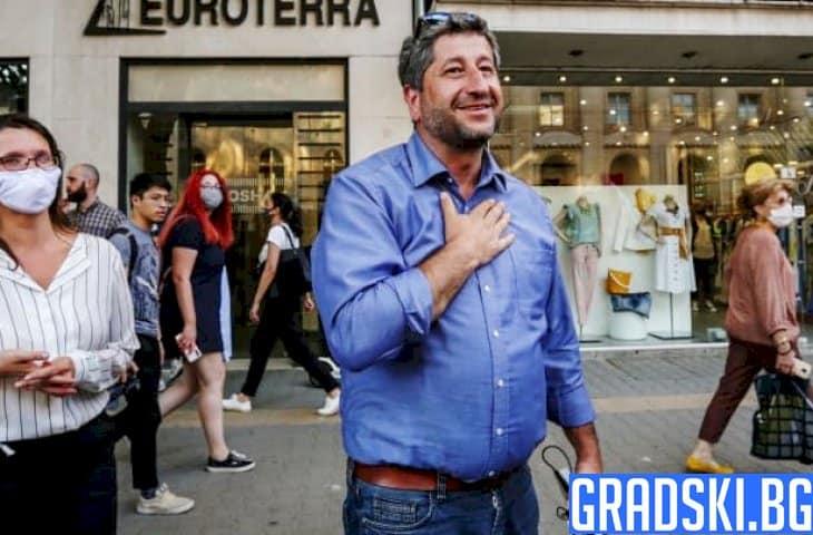 Връзките между Иванов и Маджо