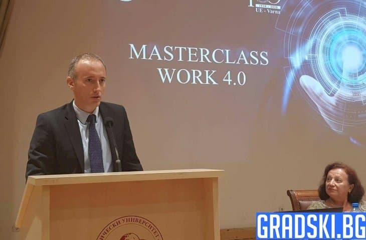 Красимир Вълчев определи дигиталните умения като водещи за новото поколение
