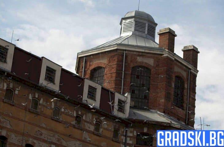 Повече от 500 телефона открити в Софийския затвор