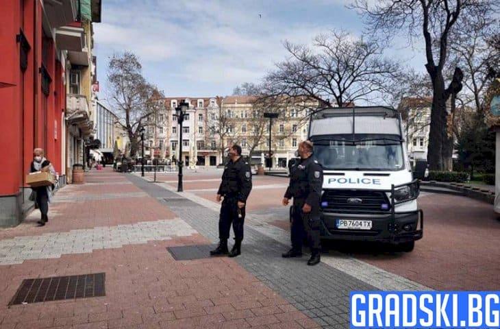 Полицейски хайки в цялата страна