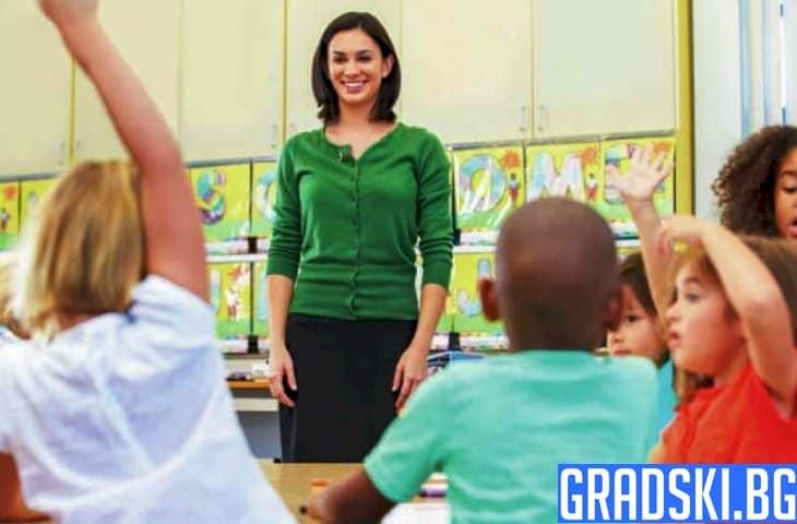 Какво ще стане в училищата от септември