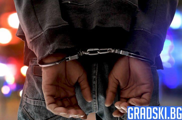 Арестуваха наркодилър в Плевен след среднощно преследване