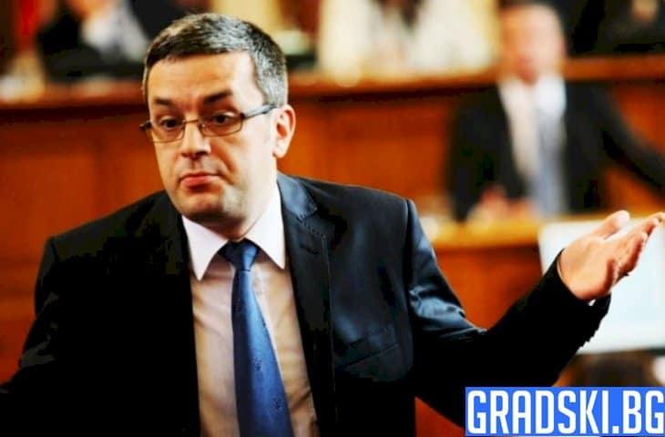 Тома Биков с официално мнение по въпроса с оставката