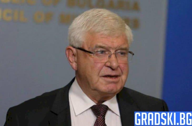 Министърът на здравеопазването Кирил Ананиев с нови забрани